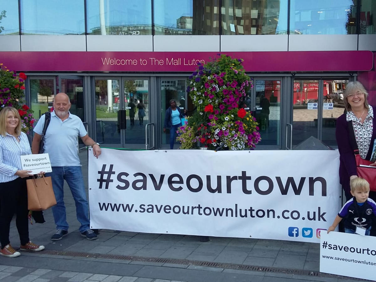#saveourtown at The Mall, Luton